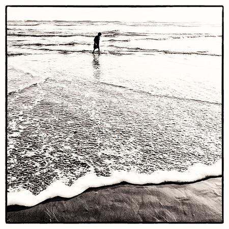 Stroll down the ocean