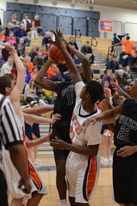 OE basketball Vs Oswego 2013 042