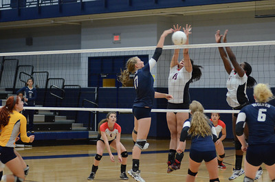 Oswego East Girls Volleyball Vs Bolingbrook 2013 458