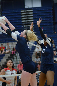 Oswego East Girls Volleyball Vs Bolingbrook 2013 876