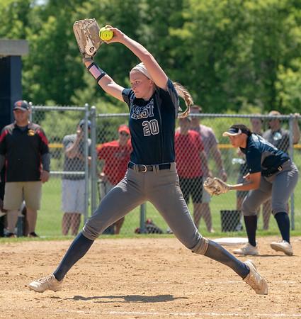 OLE.053118.SPORTS.Oswego East softball