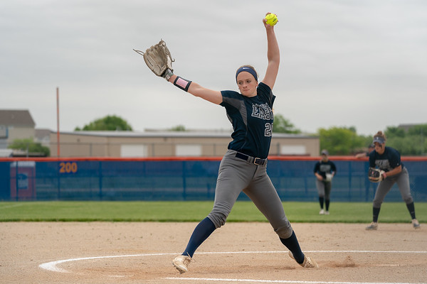 OLE.060718.SPORTS.Oswego East softball