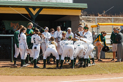 Softball vs Buff State 4-12-15