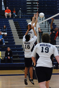 OE boys volleyball 4-12-11 098