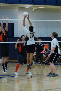 OE boys volleyball 4-12-11 075