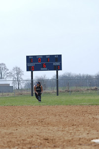 OE varsity softball 041