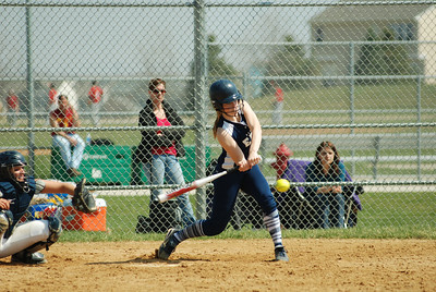 OE varsity softball 435