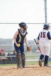 OE varsity softball 038