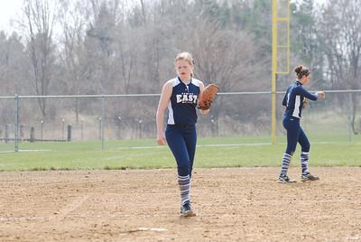 OE varsity softball 056