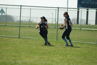 OE varsity softball 358