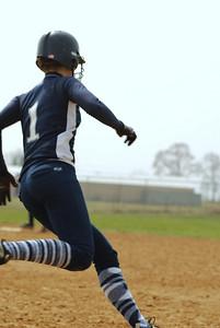OE varsity softball 013