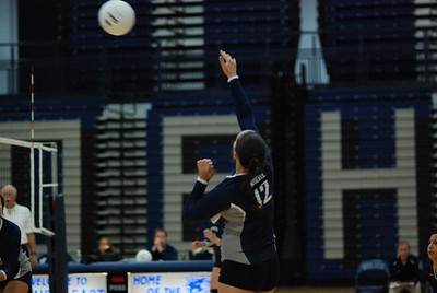 Oswego East volleyball Vs plainfield East 365