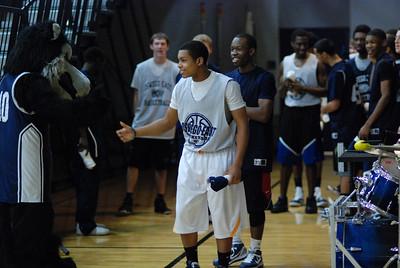 OE Basketball tip-off 044