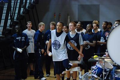 OE Basketball tip-off 041