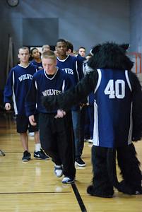 OE Basketball tip-off 019