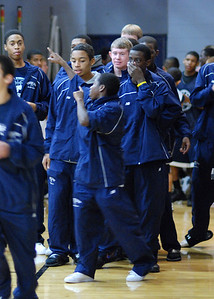 OE Basketball tip-off 025