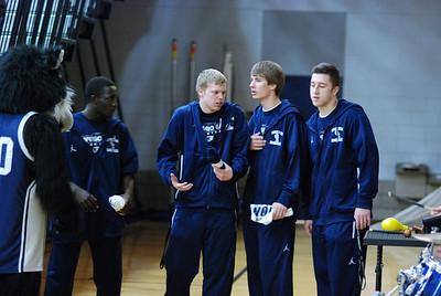 OE Basketball tip-off 071