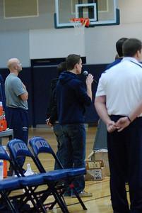 OE Basketball tip-off 081