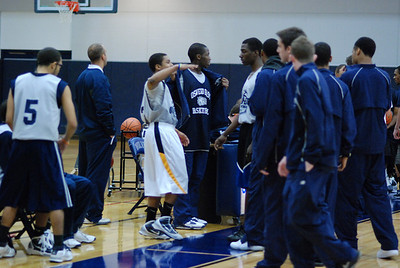 OE Basketball tip-off 084