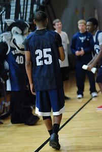 OE Basketball tip-off 049