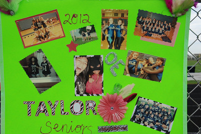 OE seniors night  OE Vs Rich So 006