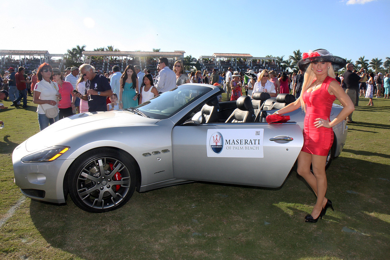 07  Arina Loren next to a MASERATI of Palm Beach sports car - The Official Automobile of the Intenational Polo Club