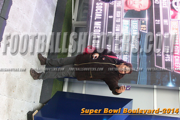 00000331_NYC-SUPERBOWL-BLVD_2014