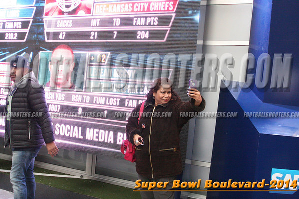 00000329_NYC-SUPERBOWL-BLVD_2014