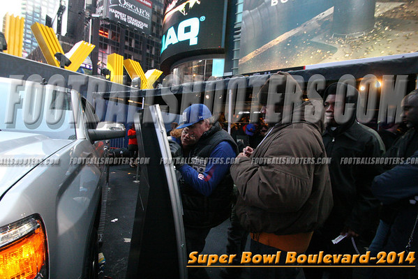 00000451_NYC-SUPERBOWL-BLVD_2014