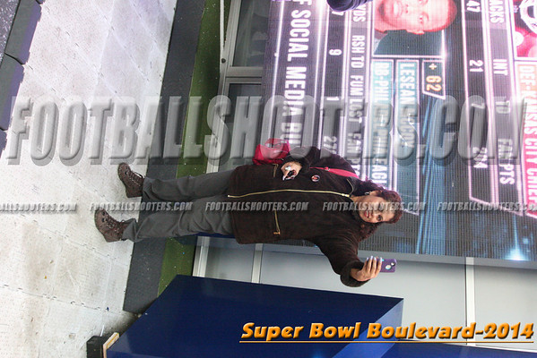 00000332_NYC-SUPERBOWL-BLVD_2014