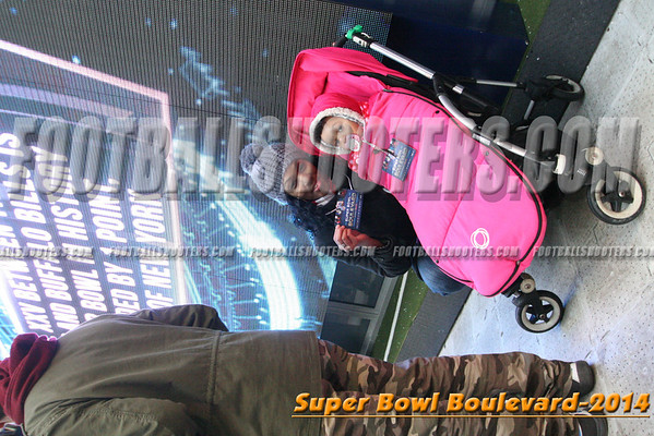00000354_NYC-SUPERBOWL-BLVD_2014