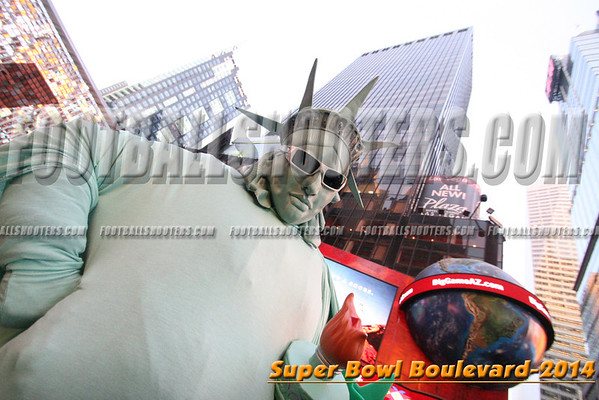 00000530_NYC-SUPERBOWL-BLVD_2014
