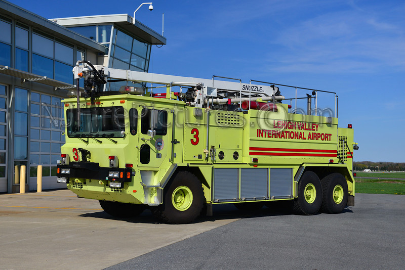 LEHIGH VALLEY INTERNATIONAL AIRPORT RESCUE 3 - 1993 OSHKOSH T3000 1950/3000/425F/500PKP/52' SNOZZLE