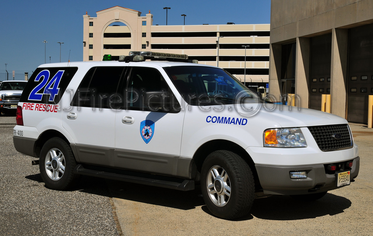 ATLANTIC CITY INTERNATIONAL AIRPORT COMMAND 24 - 2004 FORD EXPEDITION