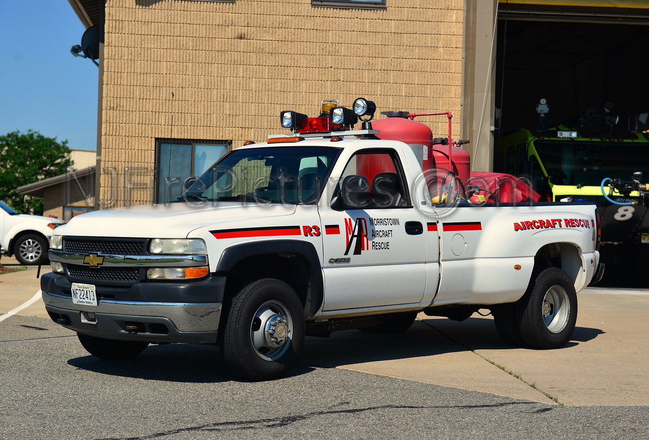 MORRISTOWN MUNICIPAL AIRPORT RESCUE 3 - 2000 CHEVROLET 3500  500PKP/500FOAM