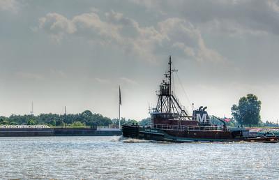 river-tug-boat-1