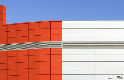 צילום אדריכלות: חיפויי אלומיניום וטרקוטה של קבוצת ענק. מרכז ביג פתח-תקוה