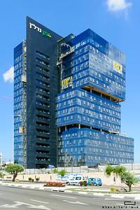 צילום אדריכלות: חיפויי אלומיניום וטרקוטה של קבוצת ענק