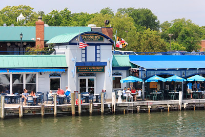 The parents had lunch at the Pusser's Waterfront Restaurant.