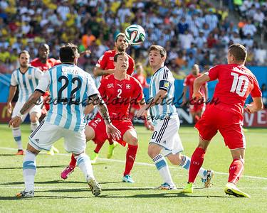 Stephan Lichtsteiner, Lionel Messi