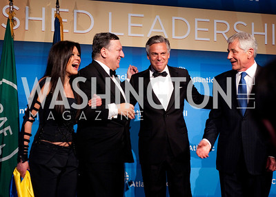 Ruslana, honoree Jose Manuel Borroso, John Huntsman and Secretary of Defense Chuck Hagel share a laugh