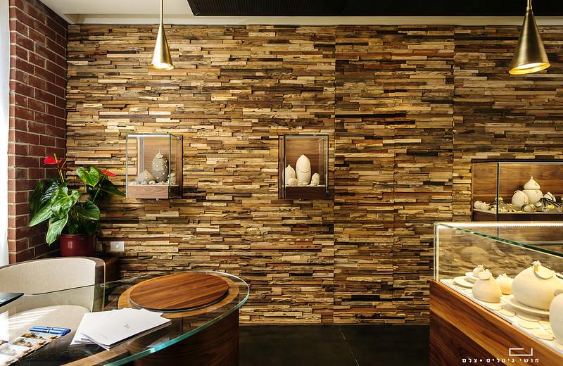 צילום מוצר אדריכלי: חיפוי קיר של חברת ברקאי<br /> צולם בחנות תכשיטים הממוקמת במלון כרמים<br /> Yvel
