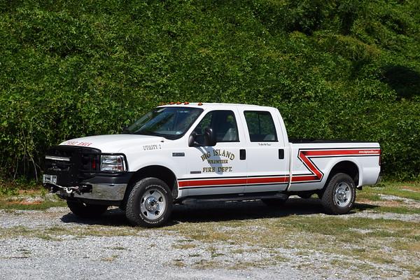 Utility 2's 2006 Ford F-250, manual transmission.