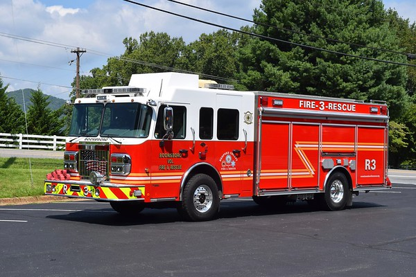 Rescue 3 is a unique 2007 Spartan Gladiator/Crimson Fire, 1250/600/20, sn- 6062.  R3 is equipped with a rear mounted pump panel.