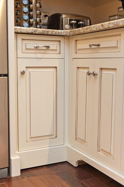 _kbd0398 2013-09-23 Bespoke Cabinets 1