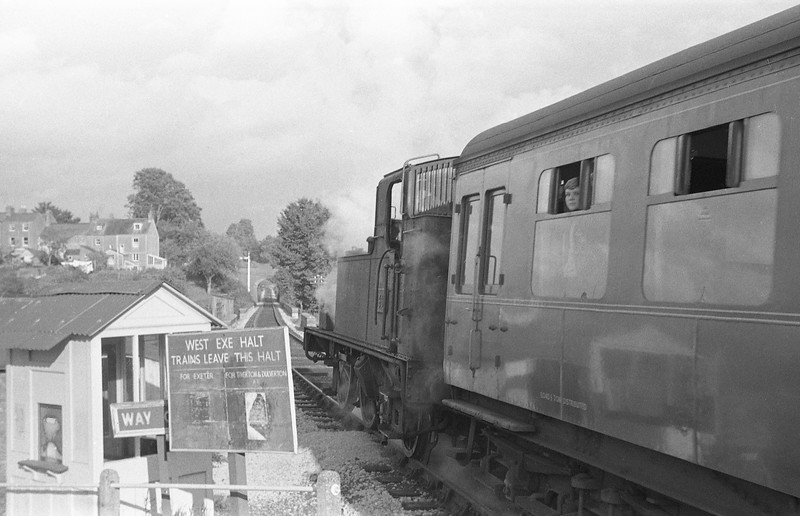 1466, Exeter St David's-Dulverton, departing West Exe Halt, Tiverton, autumn, 1963. St Andrew Street bridge is in the background. Tiverton Station is just out of sight at the 'end' of the line.