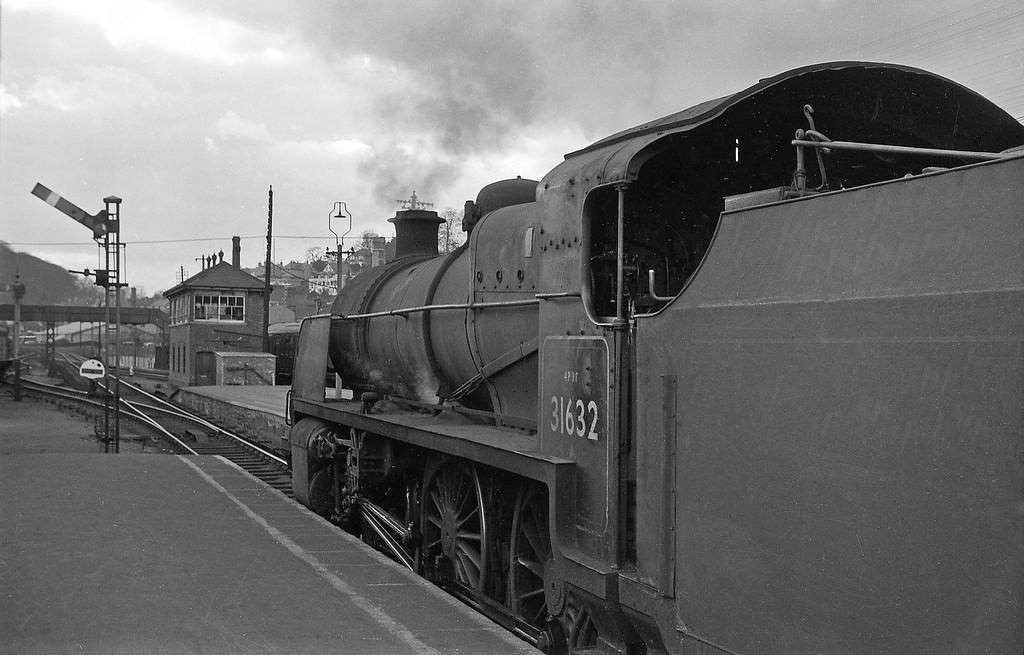 31632, Yeovil Town-Taunton, Yeovil Town, April 14, 1964.