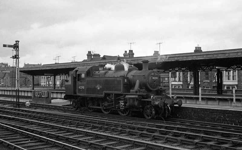 41298, Weymouth Station, April 14, 1964.