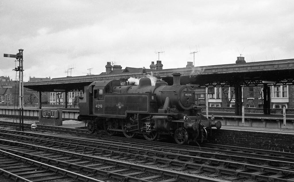 41298, Weymouth Station, April 14, 1964.