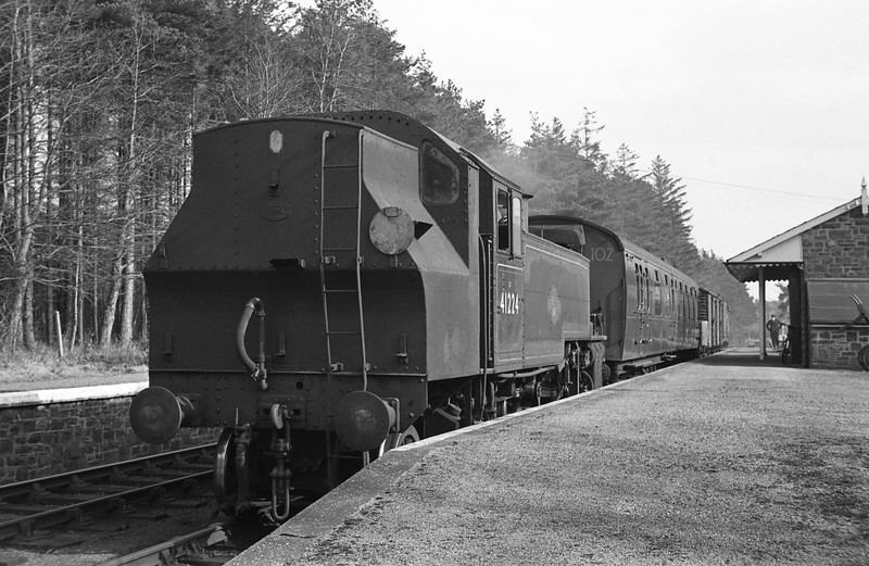 41224, Halwill Junction-Torrington mixed train, Petrockstow, April 7, 1964.